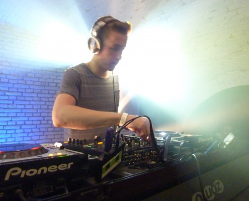 DJ lessons in English | Dutch DJ Academy | DJ courses